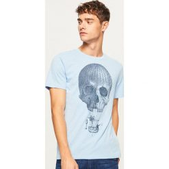 T-shirt z nadrukiem - Niebieski. Niebieskie t-shirty męskie z nadrukiem marki House, l. Za 29,99 zł.