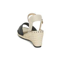 Sandały Refresh  CALARE. Czarne sandały damskie marki Refresh. Za 159,20 zł.