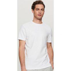 T-shirty męskie: Gładki t-shirt ze strukturalnej dzianiny – Biały