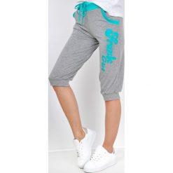 Spodnie dresowe damskie: Dresowe bermudy z nadrukiem frank girl