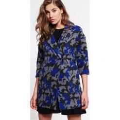 Płaszcze damskie pastelowe: Minueto Krótki płaszcz camo