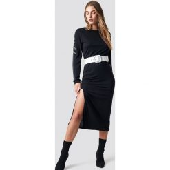 NA-KD Sukienka Sleeve Print Viscose - Black. Czarne długie sukienki marki NA-KD, z materiału, z okrągłym kołnierzem. Za 141,95 zł.