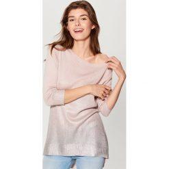Sweter z efektem cieniowania - Różowy. Czerwone swetry klasyczne damskie marki Mohito, l. Za 119,99 zł.