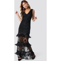 Trendyol Koronkowa sukienka z chwostami Abi - Black. Szare długie sukienki marki Trendyol, na co dzień, z elastanu, casualowe, dopasowane. Za 526,95 zł.