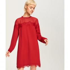 Sukienka z koronkową lamówką - Bordowy. Czerwone sukienki koronkowe marki numoco, na ślub cywilny, l, eleganckie, z klasycznym kołnierzykiem, maxi. Za 69,99 zł.