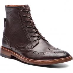 Kozaki CLARKS - James Hi 261355407 Dark Brown Leather. Brązowe botki męskie Clarks, ze skóry. Za 839,00 zł.