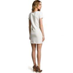 COCO Sukienka mini z naszywką - ecru. Szare sukienki dresowe Moe, s, z aplikacjami, mini, dopasowane. Za 109,00 zł.