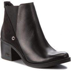Botki CARINII - B3705/N E50-360-POL-861. Czarne buty zimowe damskie Carinii, z nubiku, na obcasie. Za 349,00 zł.