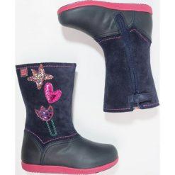Agatha Ruiz de la Prada SWING Kozaki purple. Szare buty zimowe damskie marki Agatha Ruiz de la Prada. W wyprzedaży za 164,50 zł.