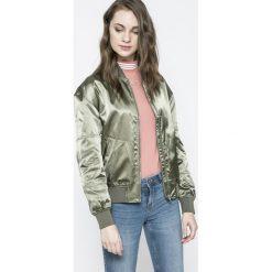 Calvin Klein Jeans - Kurtka Bomber. Szare bomberki damskie marki Calvin Klein Jeans, l, z jeansu. W wyprzedaży za 399,90 zł.