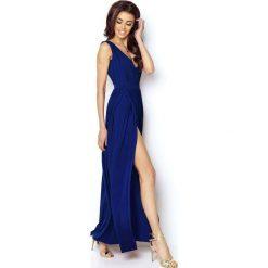 Niebieska Elegancka Maxi Sukienka z Dekoltem V z Przodu i na Plecach. Czerwone długie sukienki marki Molly.pl, l, z jeansu, biznesowe, z dekoltem na plecach, z długim rękawem. Za 239,90 zł.