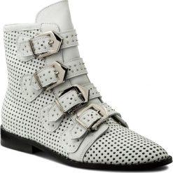 Botki CARINII - B4378 G34-000-000-C65. Białe buty zimowe damskie Carinii, ze skóry, na obcasie. W wyprzedaży za 289,00 zł.