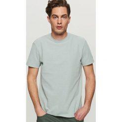T-shirty męskie: Gładki t-shirt ze strukturalnej dzianiny – Jasny szar