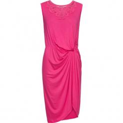 Sukienka z dżerseju z koronką i przewiązaniem bonprix różowy. Czerwone sukienki koronkowe marki bonprix, w koronkowe wzory. Za 54,99 zł.