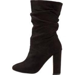 Dorothy Perkins X & FRANC JAX Kozaki na obcasie black. Czarne buty zimowe damskie marki Dorothy Perkins, z materiału, na obcasie. W wyprzedaży za 255,20 zł.