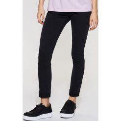 Jeansy high waist skinny - Czarny. Czarne jeansy damskie skinny House, z podwyższonym stanem. Za 79,99 zł.