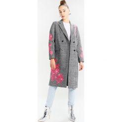 Miss Selfridge CHECK  Płaszcz wełniany /Płaszcz klasyczny check. Czarne płaszcze damskie pastelowe Miss Selfridge, z bawełny, klasyczne. W wyprzedaży za 341,40 zł.