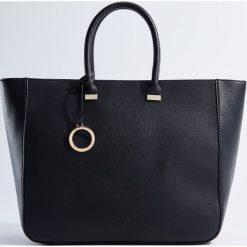 Torebki klasyczne damskie: Duża torebka z odpinanym paskiem – Czarny