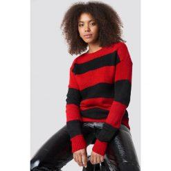 Trendyol Sweter Block Stripe Wide Neck - Red. Czerwone swetry klasyczne damskie Trendyol, z dzianiny, z dekoltem w łódkę. Za 121,95 zł.