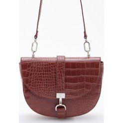 Torebka o teksturze skóry krokodyla - Brązowy. Brązowe torebki klasyczne damskie Reserved, ze skóry. Za 129,99 zł.