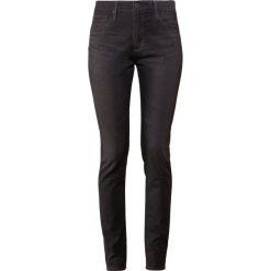 Boyfriendy damskie: AG Jeans FARRAH  Jeans Skinny Fit grey denim