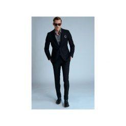 GARNITUR CROW. Czarne garnitury Guns&tuxedos. Za 499,99 zł.