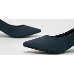 Tamaris - Czółenka. Szare buty ślubne damskie marki Tamaris, z materiału. W wyprzedaży za 99,90 zł.