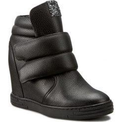 Sneakersy KARINO - 1915/076-P Czarny. Fioletowe sneakersy damskie marki Karino, ze skóry. W wyprzedaży za 269,00 zł.