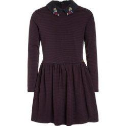 Sukienki dziewczęce z falbanami: IKKS CARGO OH MY CAPTAIN Sukienka z dżerseju bordeaux