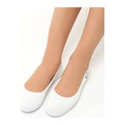 Białe Baleriny Luxuriant. Białe baleriny damskie marki Born2be, z materiału, na płaskiej podeszwie. Za 29,99 zł.
