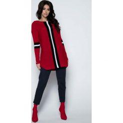 Odzież damska: Czerwony Długi Sweter -Tunika z Kontrastowymi Paskami