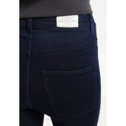 Cheap Monday Spray Jeans Skinny Fit solid blue. Niebieskie rurki damskie Cheap Monday. W wyprzedaży za 146,30 zł.
