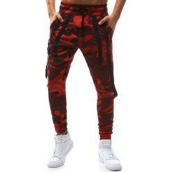 Joggery męskie: Spodnie męskie joggery camo czerwone (ux1129)