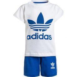 Adidas Originals SET Spodnie treningowe white/blue. Czerwone spodnie chłopięce marki adidas Originals, z bawełny. Za 129,00 zł.