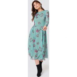 Rut&Circle Siateczkowa sukienka z długim rękawem - Green,Turquoise. Zielone długie sukienki marki Rut&Circle, z dzianiny, z okrągłym kołnierzem. Za 242,95 zł.