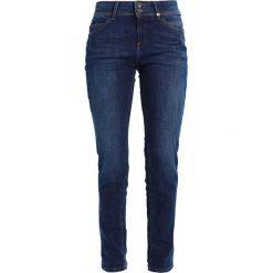 S.Oliver RED LABEL Jeansy Slim Fit amparo blue denim. Niebieskie jeansy damskie marki s.Oliver RED LABEL, z bawełny. W wyprzedaży za 207,20 zł.