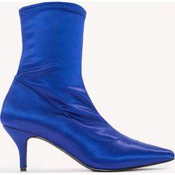 Botki damskie lity: NA-KD Shoes Satynowe botki z miękką cholewką - Blue