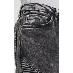 Topman ACID RIP BIKER SPRAY Jeans Skinny Fit black. Czarne rurki męskie Topman. W wyprzedaży za 269,10 zł.