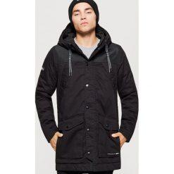 Zimowy płaszcz - Czarny. Czarne płaszcze męskie marki Cropp, na zimę, l. Za 329,99 zł.