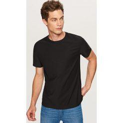 T-shirt o prążkowanej fakturze - Czarny. Białe t-shirty męskie marki Reserved, l. Za 39,99 zł.