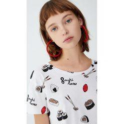 Koszulka sushi. Białe t-shirty damskie Pull&Bear. Za 29,90 zł.