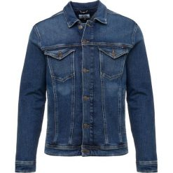 Tommy Jeans CLASSIC TRUCKER Kurtka jeansowa denim. Niebieskie kurtki męskie jeansowe marki Reserved, l. Za 419,00 zł.