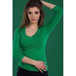 Bluzka basic rękaw 3/4 dekolt serek soczysta zieleń. Zielone bluzki damskie Yups, l, z bawełny, z dekoltem w serek. Za 29,99 zł.