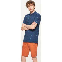 Materiałowe szorty - Pomarańczowy. Brązowe szorty męskie marki Reserved. W wyprzedaży za 29,99 zł.