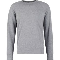 Bejsbolówki męskie: DOCKERS ICONIC CREWNECK Bluza medium grey heather