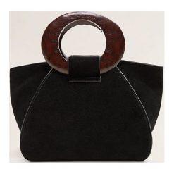 Mango - Torebka skórzana Comba. Czarne torebki klasyczne damskie Mango, w paski, z materiału, średnie, zamszowe. Za 229,90 zł.
