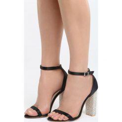 Czarne Sandały Great Fall. Czarne sandały damskie na słupku marki Born2be, z materiału, na wysokim obcasie. Za 89,99 zł.