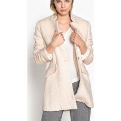 Płaszcze damskie pastelowe: Półdługi płaszcz 40% wełna