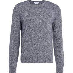 Club Monaco CASH BUTTON CREW Sweter black/white marl. Szare swetry klasyczne męskie Club Monaco, m, z kaszmiru. W wyprzedaży za 797,30 zł.
