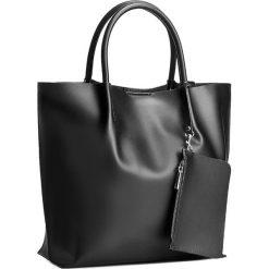 Torebka CREOLE - RBI1214 Czarny. Czarne torebki klasyczne damskie Creole, ze skóry. W wyprzedaży za 279,00 zł.